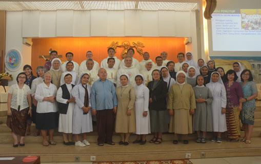 Misa Tahunan Senatus Bejana Rohani - Menjadi Sarana Kasih Allah