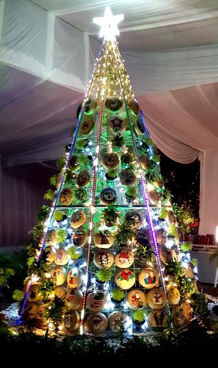 Pohon Natal dan Kandang Natal SanMaRe - Bersahabat dengan Lingkungan